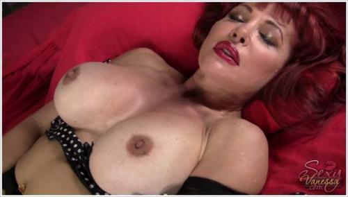 Sexy Vanessa - Green Vibrator [HD 720p]