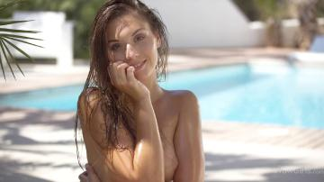 Sabrisse - Pool Party For One (2016) FullHD 1080p