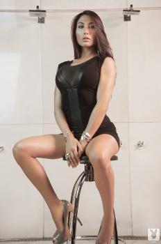 2013-12-30 Belen Lavallen In Little Black Dress