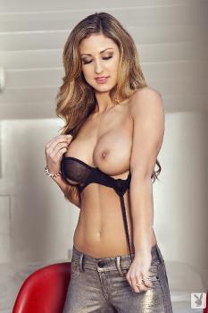 2013-04-12 - Jessie Cabanne Sexy Strut